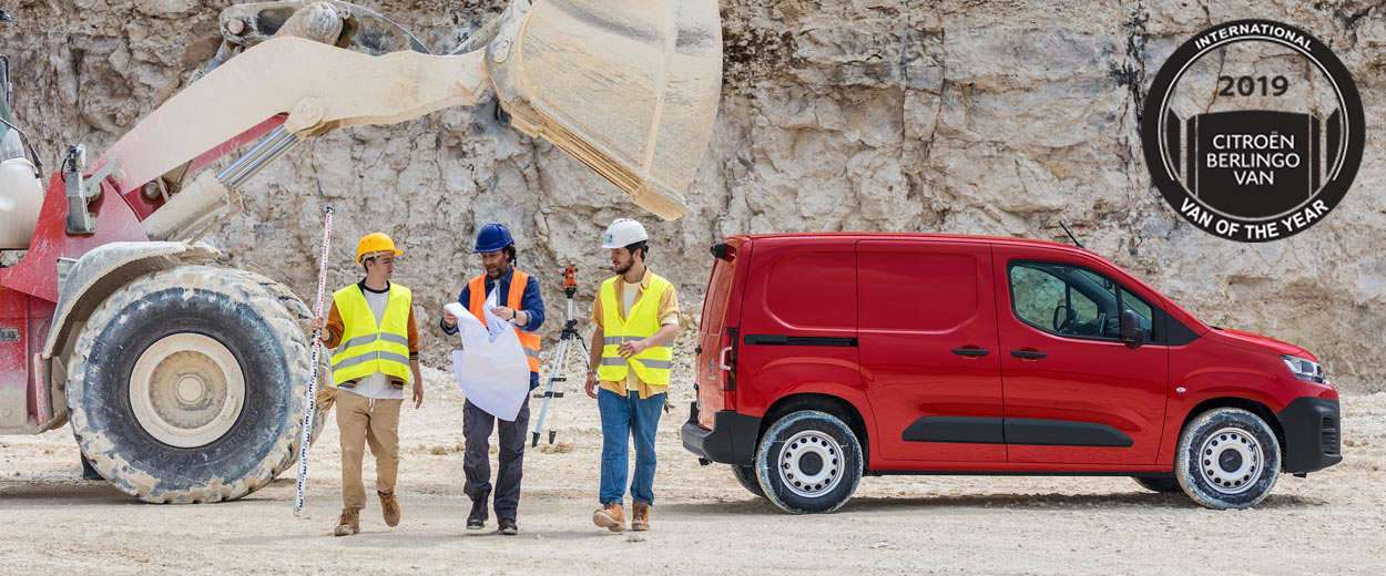 1250x520-New-Berlingo-Van-HeroBanner2-Worker-IVOTY-GB